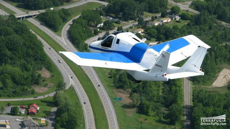美国Terrafugia飞行汽车约160万元